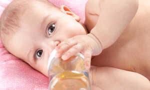 Помогает ли укропная вода от коликов у новорожденных